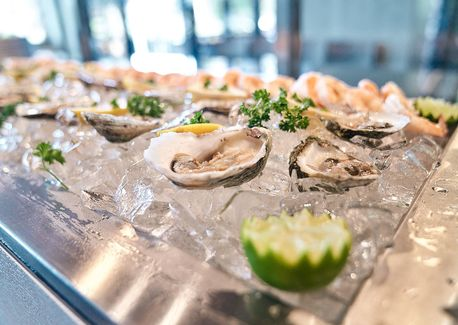 The Coastal Guide to Trying Raw Oysters